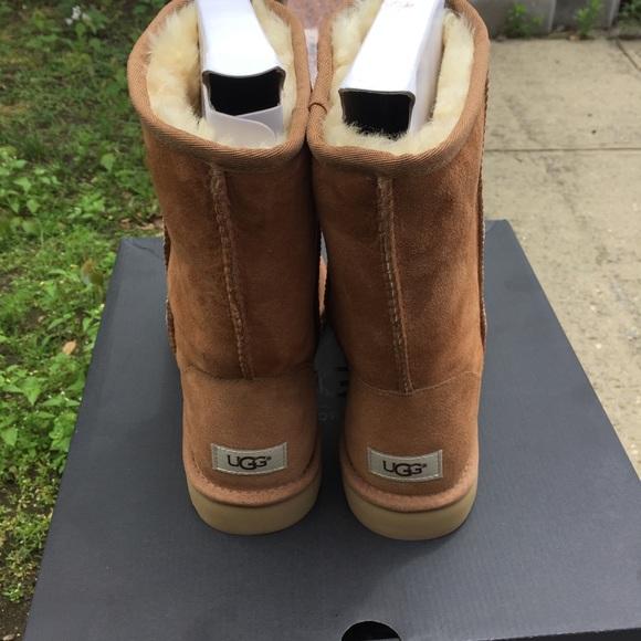 7b5edf855f8 UGGS MEN Classic Neumel Size 10